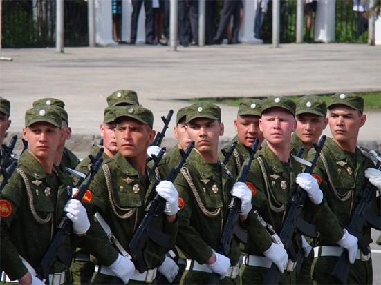 Повышение зарплаты военнослужащим в 2018 году: последние новости об окладах военных