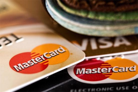 Кредитные карты с 18 лет - в каком банке можно оформить карту для студента