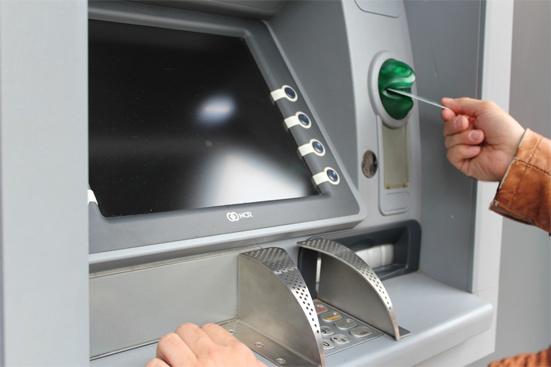 С 1 января Сбербанк введет налог 20% за переводы на банковские карты - простите, что?