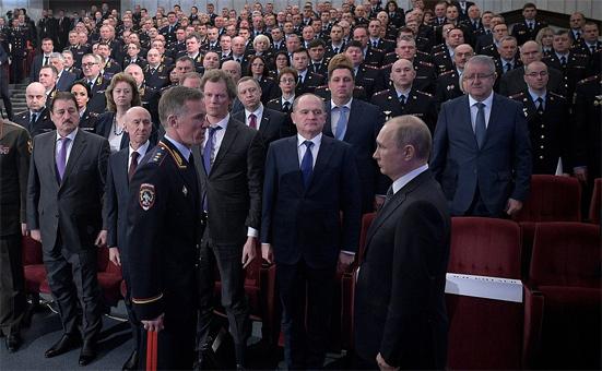 Изображение - Какой будет зарплата полиции в 2019 году – свежие новости от мвд zarplata-politsii-v-2019-godu-svezhie-novosti-dlya-sotrudnikov-mvd-rf-2