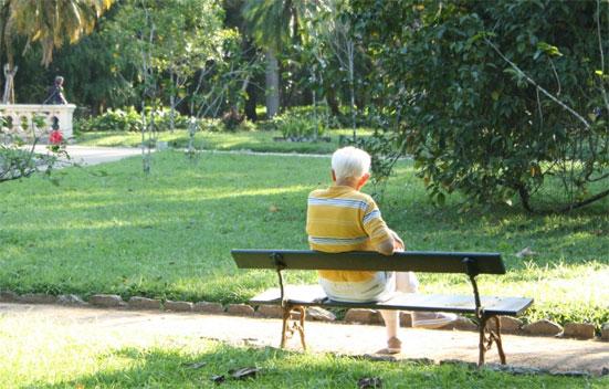 Как оформить опекунство над пожилым человеком старше 80 лет - какие документы нужны