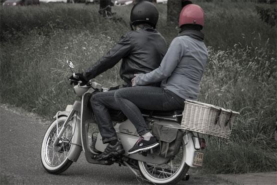 Нужны ли права на скутер до 50 кубов в 2019 году