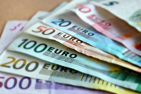 Безопасно ли сохранять деньги в европейской валюте?
