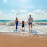 Когда брать отпуск в 2021 году: что выгоднее по деньгам