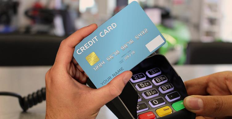 С моей кредитной карты пропали деньги: как решить проблему