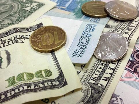 Почему рубль привязан к доллару