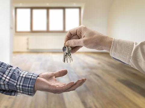 Стоит ли покупать квартиру в 2017 году: мнение экспертов